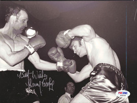 Henry Cooper Autographed 7x9 Wire Photo PSA/DNA #S48098