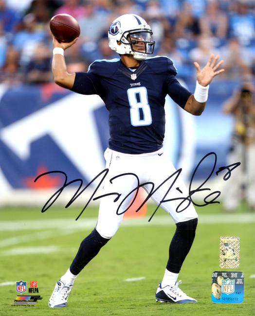 Marcus Mariota Autographed 8x10 Photo Tennessee Titans MM Holo Stock #119624