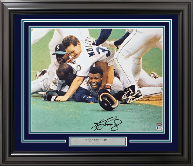 Ken Griffey Jr. Autographed Framed 16x20 Photo Seattle Mariners 1995 Dogpile Beckett BAS & MCS Holo Stock #191227