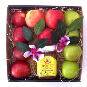 Halal Hamper Gift Boxes For All Occasions Ramzaan Eid Hajj Shadi