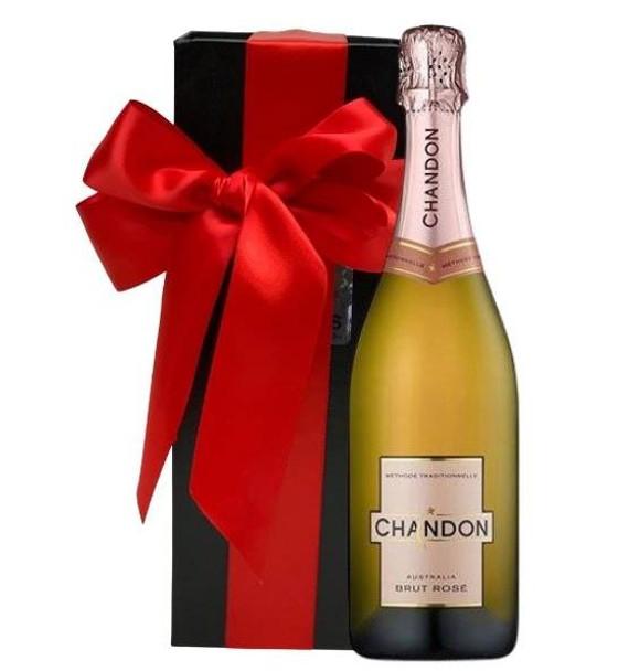 Chandon Brut Ros?? Gift Box
