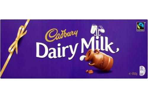 Dairy Milk Giant Chocolate Christmas Bar 850g