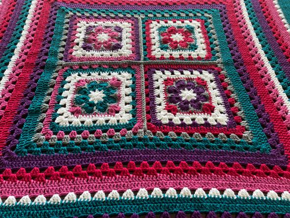 Berries Field Hand Crochet Blanket. 82x84