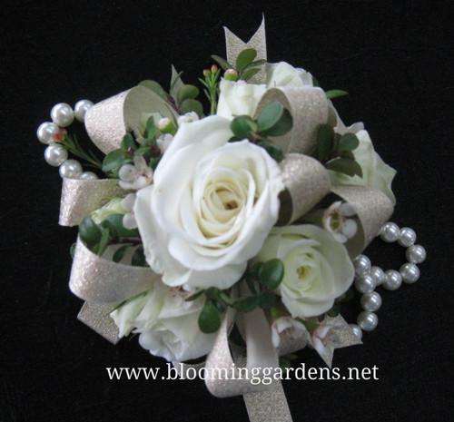 Sweet white roses