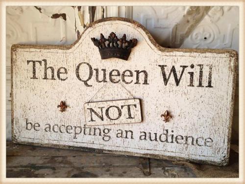 Queen Wood Plaque