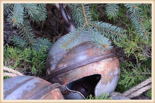 Distressed Metal Jingle Bell Large