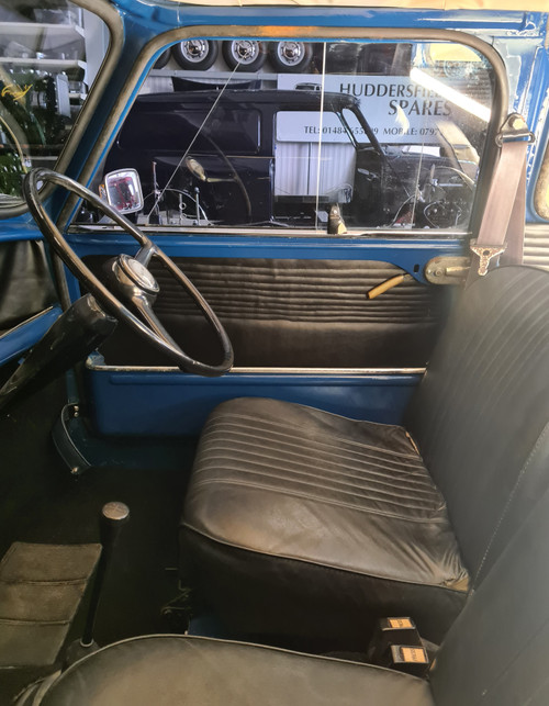 Classic Austin Mini Van 1974 850cc