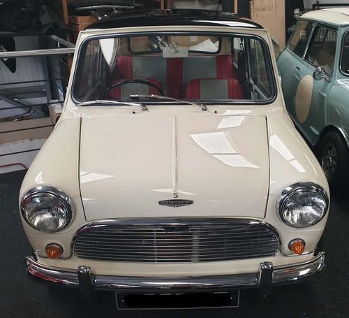Classic Mini Cooper 1071 S