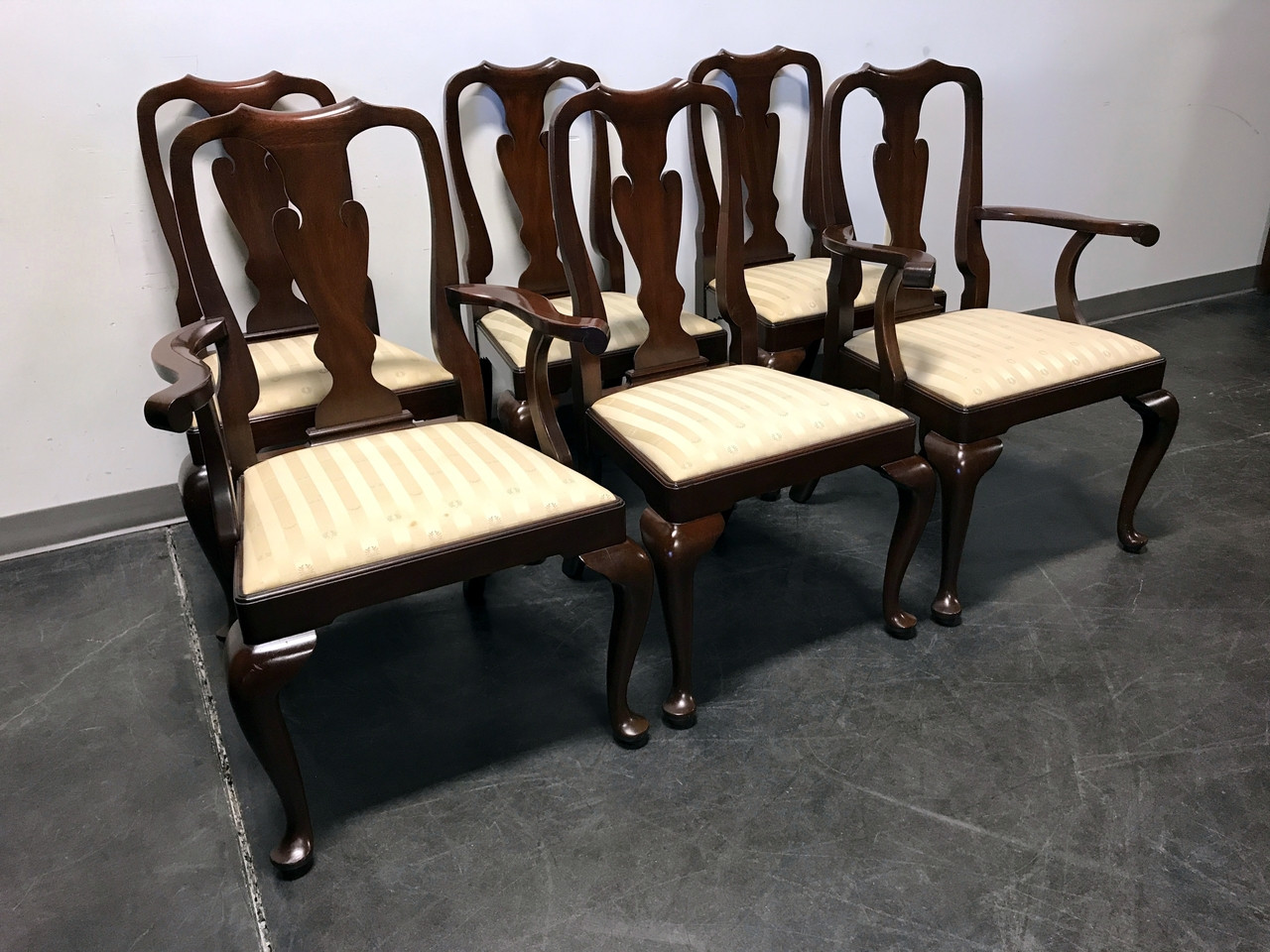 Superieur SOLD OUT   HENKEL HARRIS Mahogany Queen Anne Dining Chairs   Set Of 6