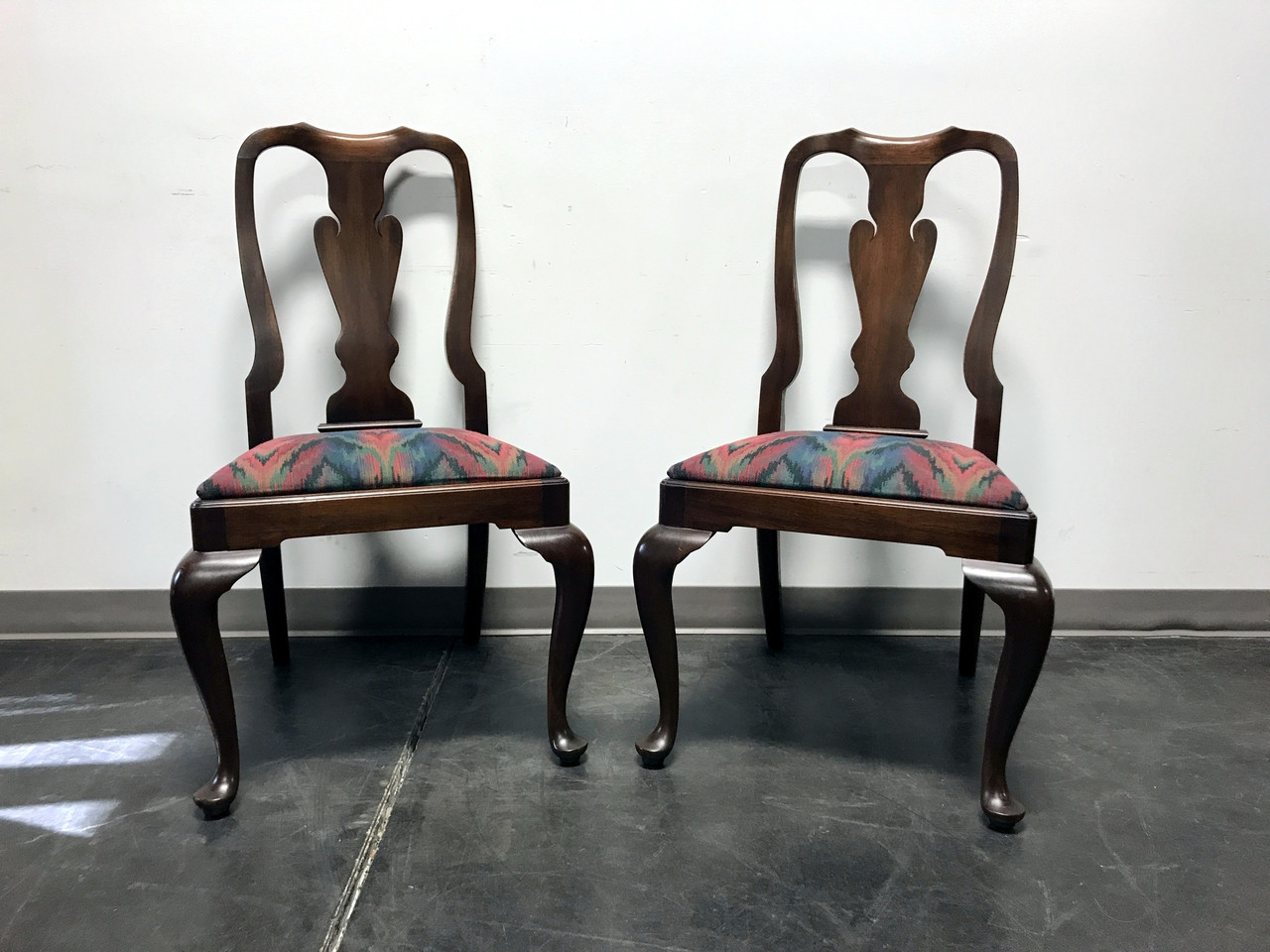 SOLD OUT   HENKEL HARRIS Solid Mahogany Queen Anne Dining Side Chairs Style  110s Finish 29
