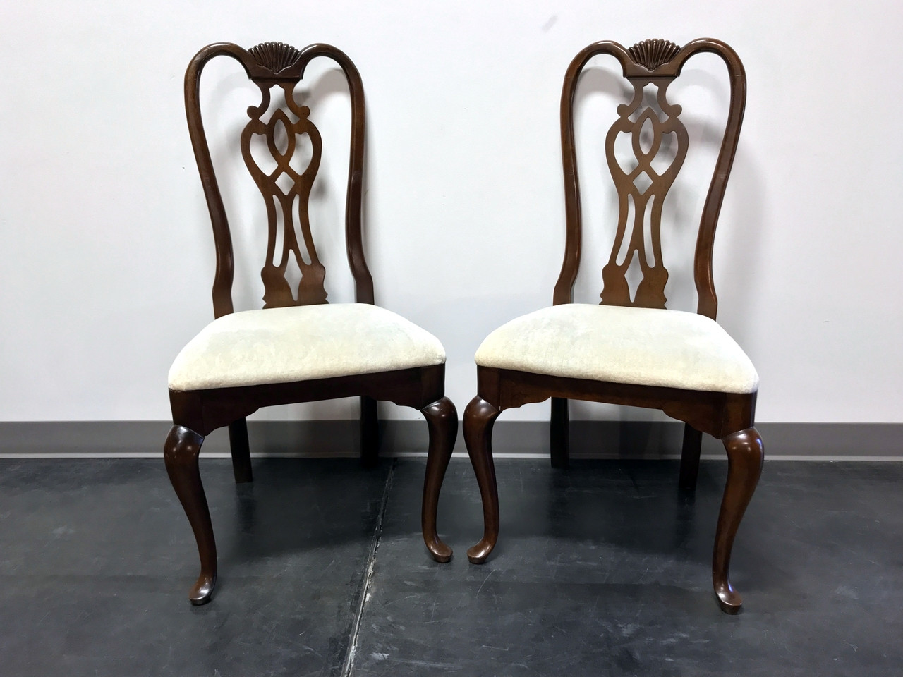 SOLD OUT - THOMASVILLE Cherry Queen Anne Style Dining Side Chairs - Pair 1