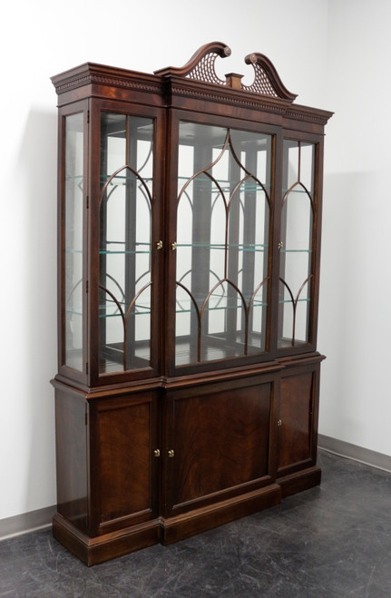 STICKLEY Chippendale Mahogany Breakfront China Display Cabinet