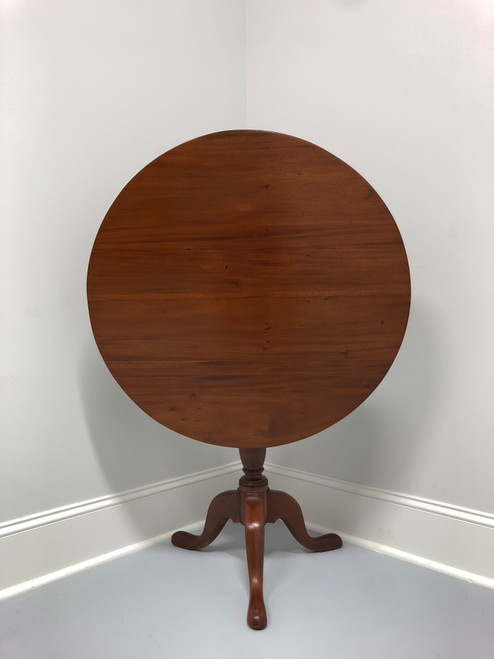 Antique 19th Century Walnut Queen Anne Tilt Top Round Table