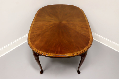 HICKORY CHAIR Banded Mahogany Queen Anne Oval Dining Table