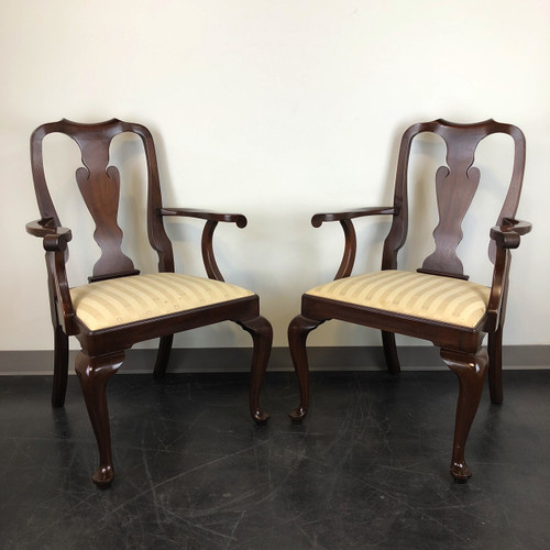 HENKEL HARRIS Mahogany Queen Anne Dining Captainu0027s Arm Chairs