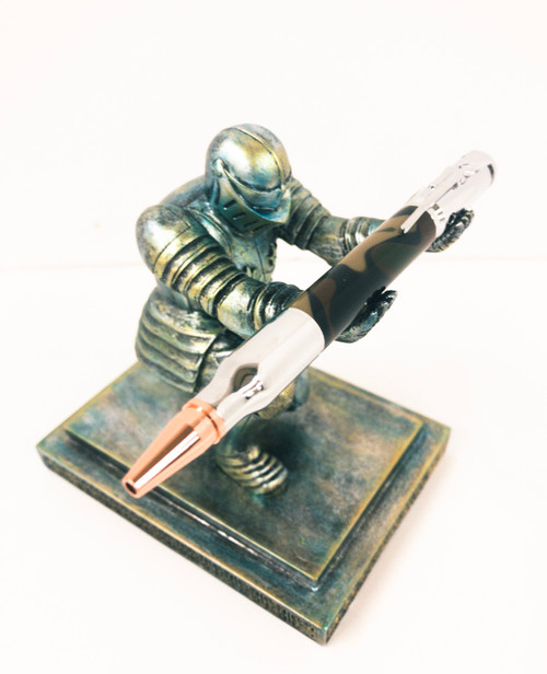 Kneeling Knight Pen Holder & Chrome Bolt Action Pen with Camo Body