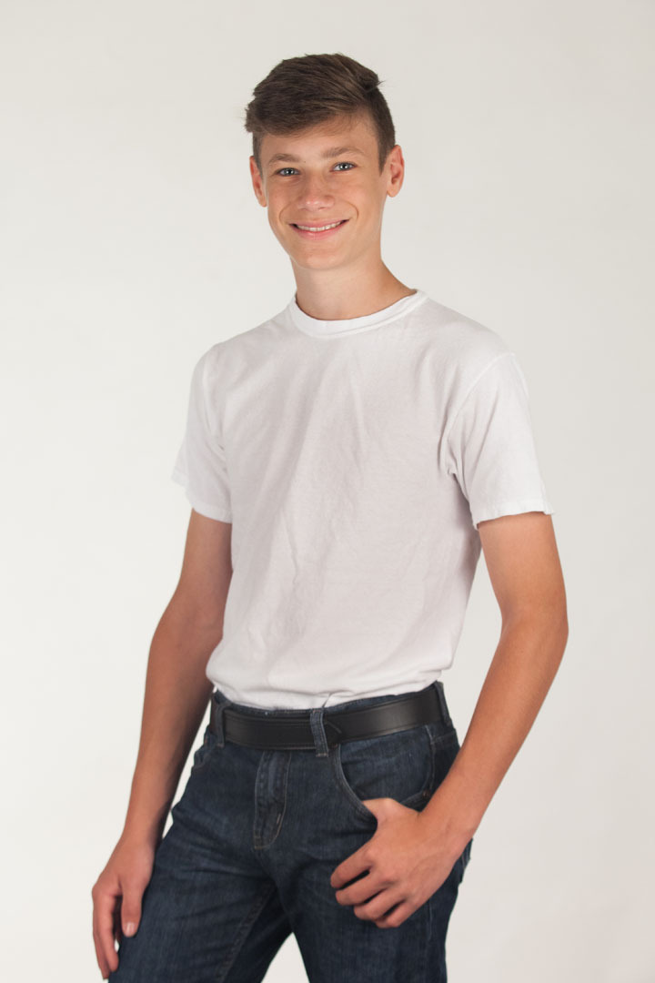 Model Wearing BuzzNot Leather Travel Belt Front View