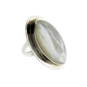 Mother of Pearl Ring Sterling Silver  White Shell Size 7