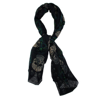Black multi skulls scarf.