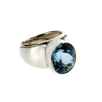 Blue Topaz sterling silver ring side view.