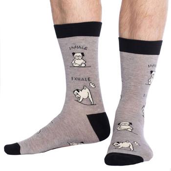 Men's Crew Socks Yoga Pug Puppy Dogs