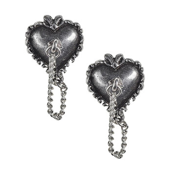 E433 - Witches Heart Studs front view