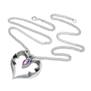 P900 Bat Heart Pendant Necklace chain view
