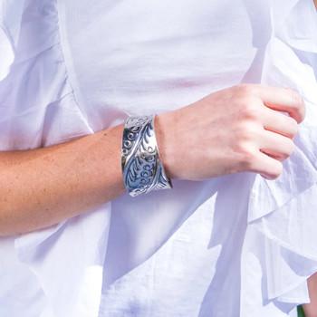 Kashi Plumes Embossed Bracelet model view