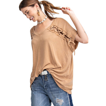 Ultra soft relaxed fit tee cinnamon colored.