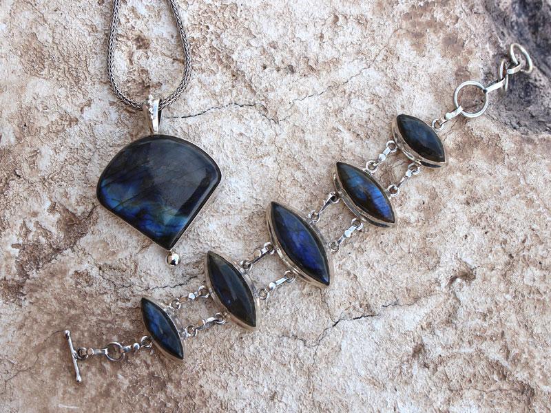 labradorite-jewelry-header.jpg