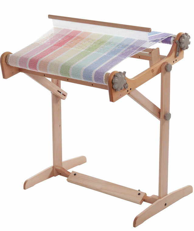 Adjustable loom stand