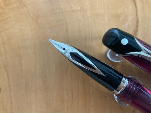 Valor 9356 Polished Burgundy PT Fountain Pen