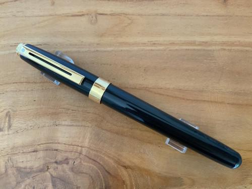 Prelude 9173 Signature Collection - Black Laque GT 14K Nib Fountain Pen - Fine Nib