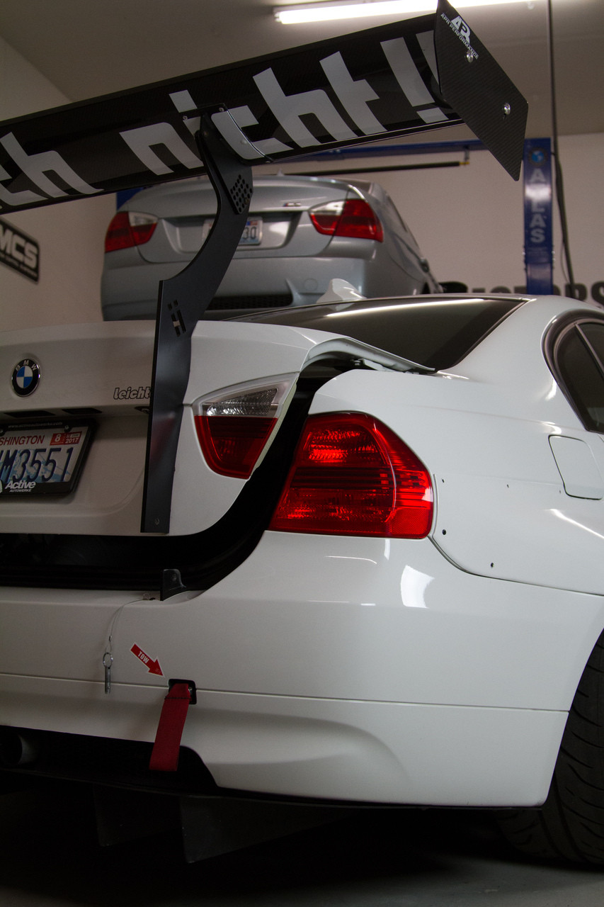 Full shot of the E90 trunk opening with the HARD Motorsport Chassis Mount Uprights