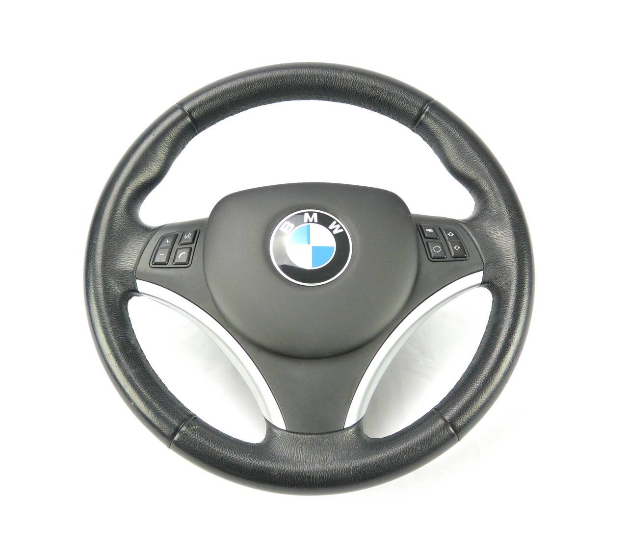 Clean factory appearance on the BMW E9X steering wheel