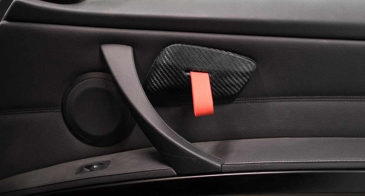 E9X Carbon Fiber RS Style Door Pulls Installed on Right Side Door