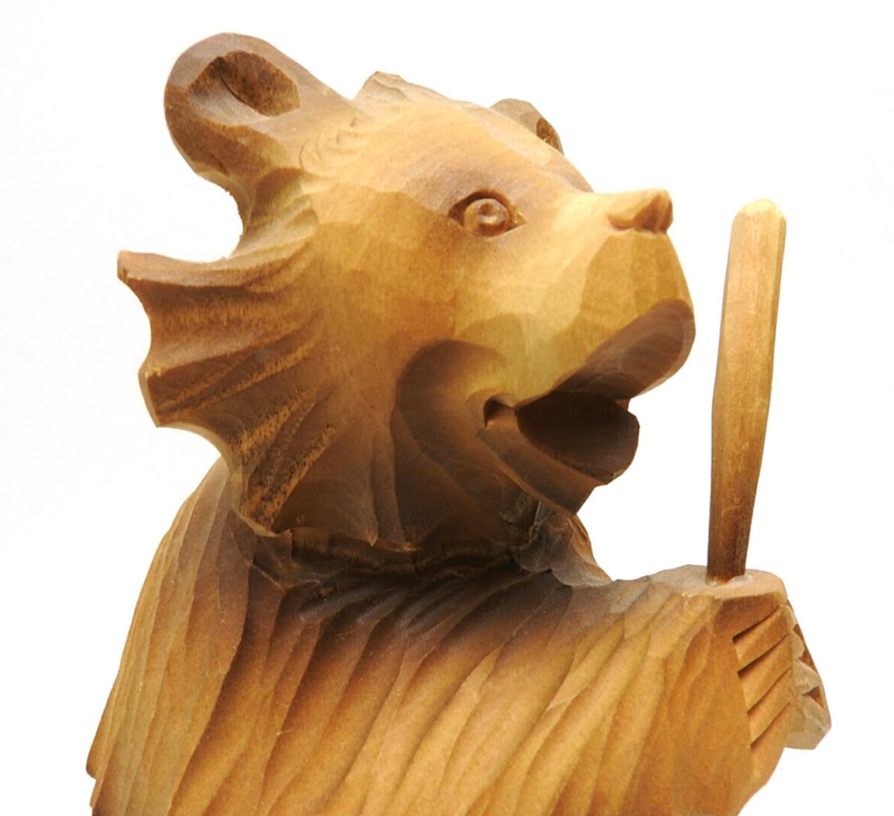 Bear with a Bat (Медведь с битой ) closer view