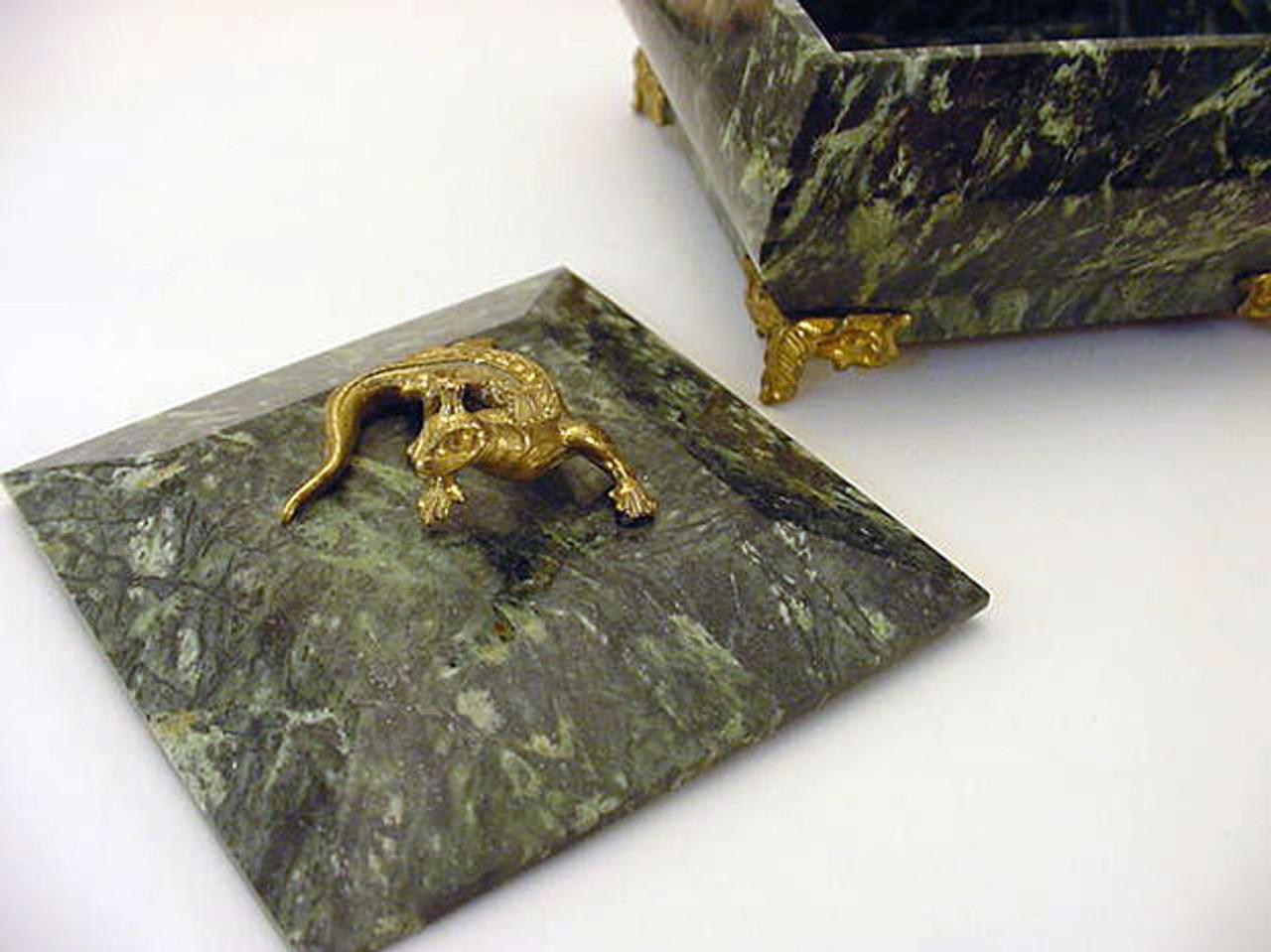 Malachite Queen Box - IRAA