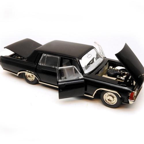 "Scale Model ""ZIL-117"" Sedan Limousine"