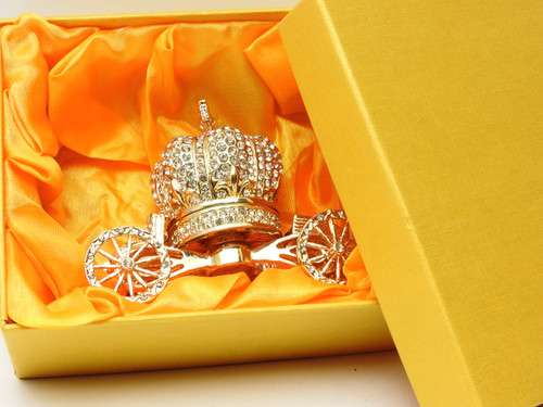 Brilliant Coronation Carriage satin Box