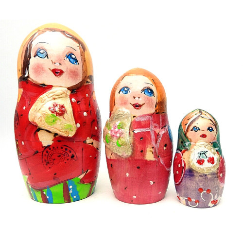 Village Family Artistic Matryoshka Doll
