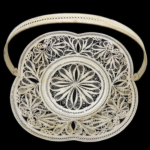 """""""Flower"""" Basket with Handle"""