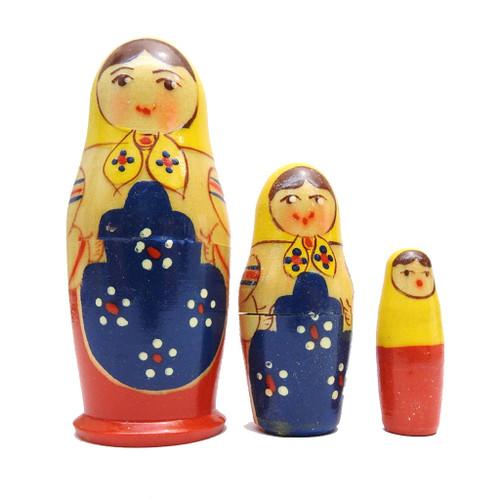 Uzhhorod Ukrainian Nesting Doll [Vintage]