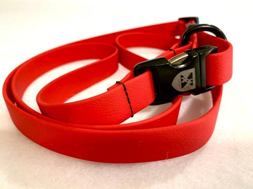 Jemelli Neck Strap in Red
