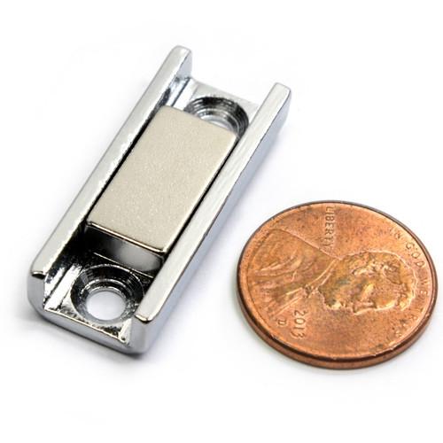 magnetic door latche