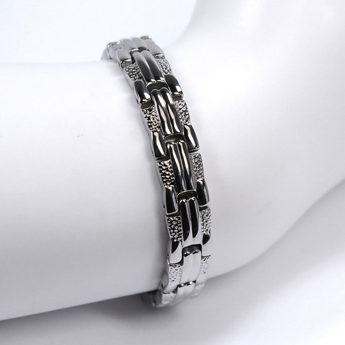 """<img src="""" womens  magnet bracelet .png"""" alt=""""casual magnetic therapy jewelry  titanium hammered strong  top view  Magnetic bracelet Novoa Women 's  Silver Heart Magnetic B185   """">"""