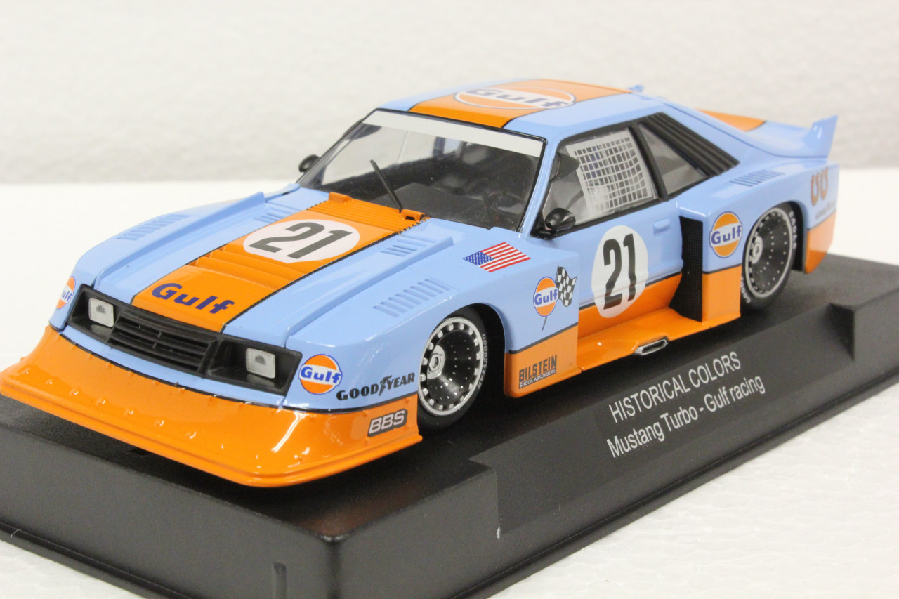 Swhc05 Racer Sideways Ford Mustang Turbo Gulf Racing Historical Colors 21 1 32 Slot Car Great Traditions