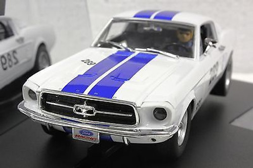 27450 Carrera Evolution Ford Mustang GT, #289 1/32 Slot Car
