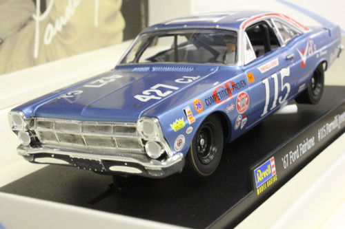 4831 Revell/Monogram 1967 Ford NASCAR Parnelli Jones 1:32 Slot Car