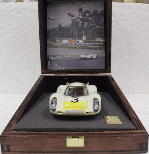 00110 SRC Porsche 907L Limited Edition Wood Display 1:32 Slot Car